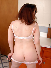 Housewife Galleries